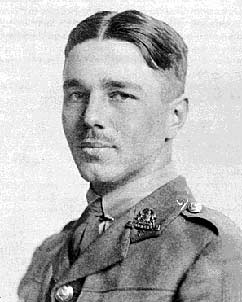 sassoon and owen essays Essays and criticism on siegfried sassoon - sassoon, siegfried - (poetry criticism)  siegfried sassoon sassoon, siegfried (poetry criticism) - essay  the war poetry of wilfred owen and.