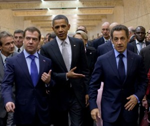 Medvedev_Obama_and_Sarkozy_at_2010_NATO_Summit_cropped